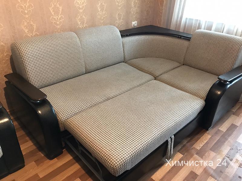 Химчистка угловых диванов в Одессе